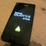 Samsung-Galaxy-S2-Yellow-Triangle-300x225